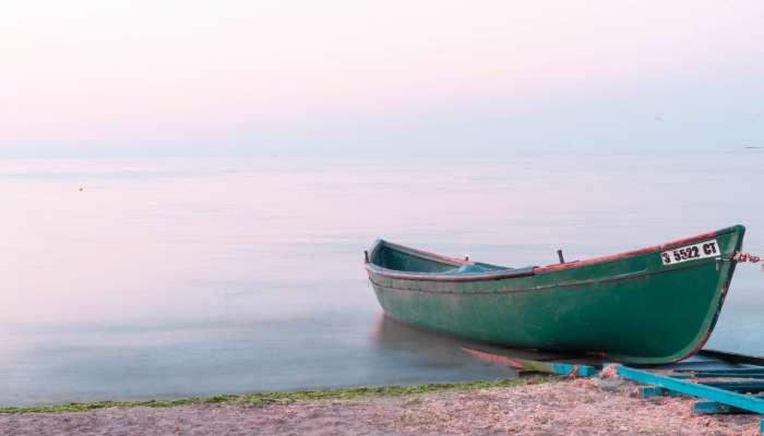 Fishing boat crewmen rescued in Oman