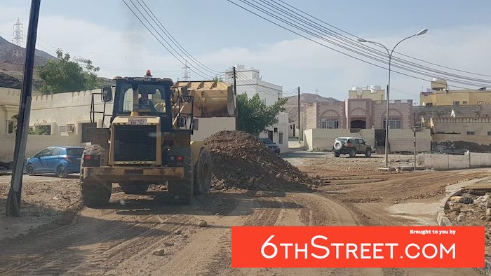 Muscat Municipality begins road reopening efforts