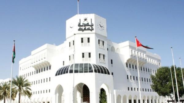 Muscat Municipality clarifies stance on oil change and maintenance shops