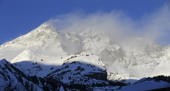 Seven hikers killed in avalanches in French Alps