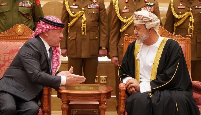 جلالة السلطان يتبادل التهاني هاتفيا مع العاهل الأردني بمناسبة عيد الفطر