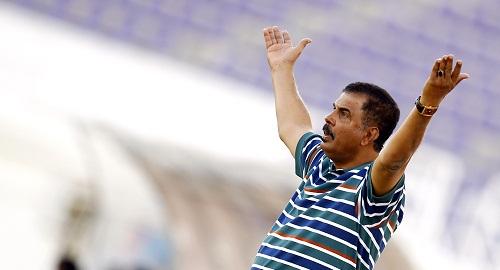 بعد إصابته بكورونا.. وفاة مدرب المنتخب اليمني لكرة القدم