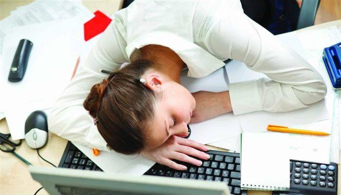 دراسة : 745 ألف حالة وفاة بسبب ساعات العمل الطويلة