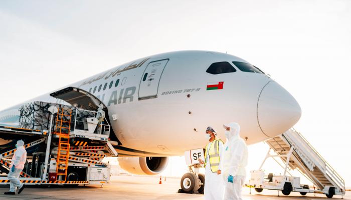 الطيران العماني يدشن مبادرة الشحن الجوي الإنسانية إلى الهند