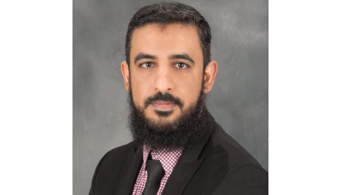 طبيب عماني يحصد جائزة بيير دوبوي في كندا