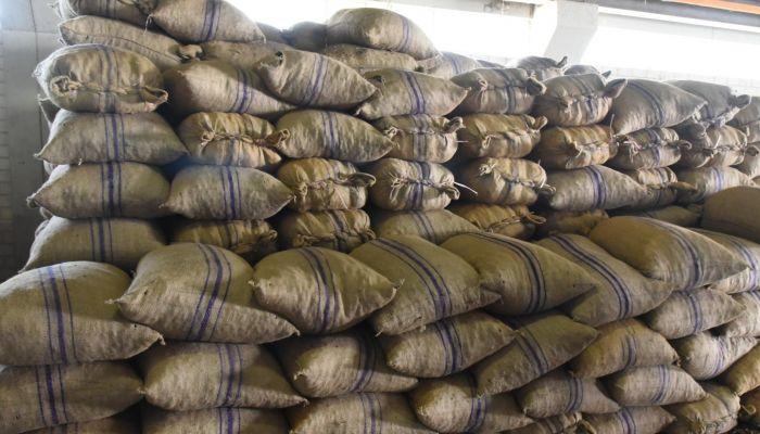 التجارة تنتهي من استلام أكثر من 180 طن من البسور
