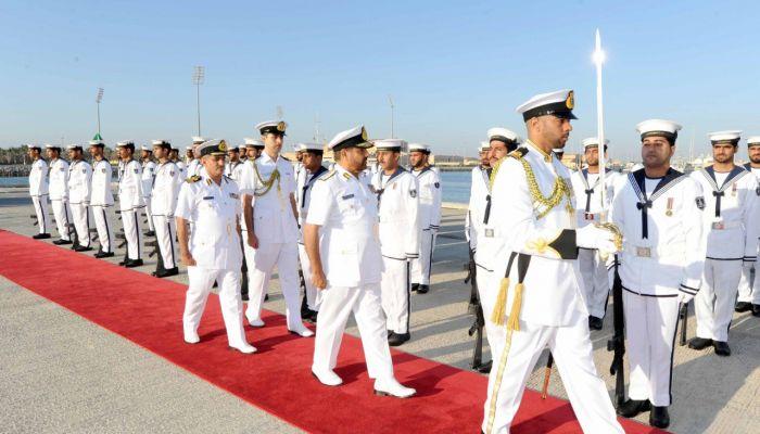 تمديد فترة التسجيل للوظائف بالبحرية السلطانية العمانية