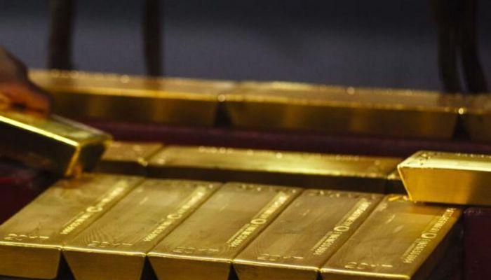 الذهب يتراجع بأكثر من 2% ويتداول عند أدنى مستوياته منذ 21 مايو