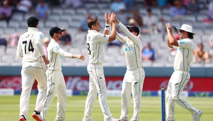 Southee scalps six as NZ extend lead to 165 after Burns show