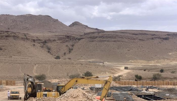 بدء الأعمال الإنشائية لبناء 50 وحدة سكنية في قمة الجبل الأبيض بدماء والطائيين