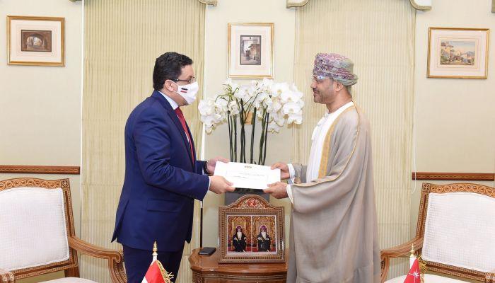 جلالة السلطان يتلقى رسالة خطية من رئيس  الجمهورية اليمنية