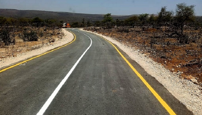 Dhofar Municipality paves new roads in Oman