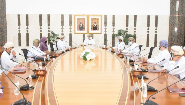 لجنة تنمية الصناعات الوطنية ودعم المنتج العماني تعقد اجتماعها الأول