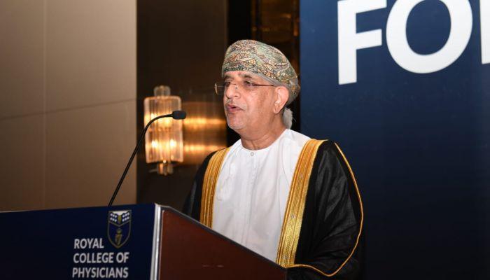 طبيب عماني يحصل على جائزة طبيب العرب لعام 2021