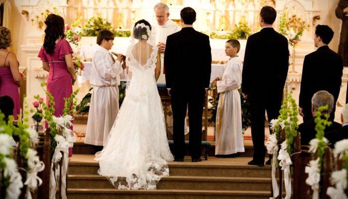 بريطانيا تقرر السماح لحضور غير محدود في حفلات الزفاف