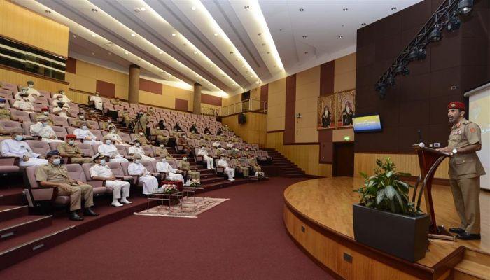 أُنجز بكوادر عمانية.. تدشين عدد من البرامج الإلكترونية بوزارة الدفاع