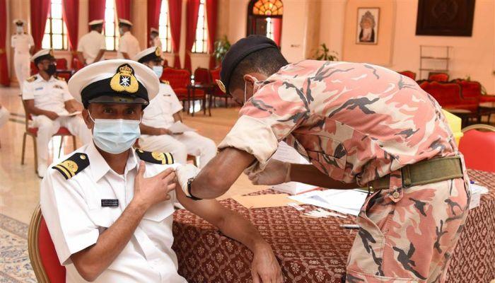 قوات السلطان المسلحة تواصل تطعيم منتسبيها ضد كوفيد19