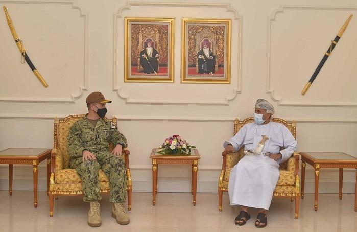 US Naval Commander visits Oman