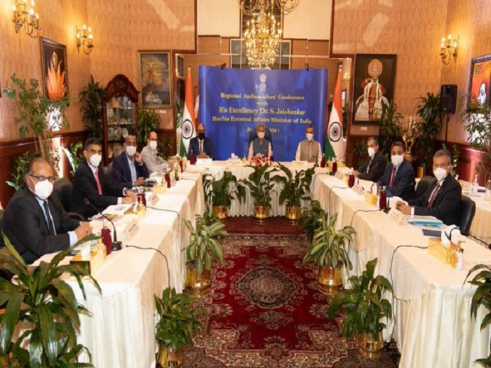 Jaishankar holds meeting with Indian envoy in Oman, other Gulf nations