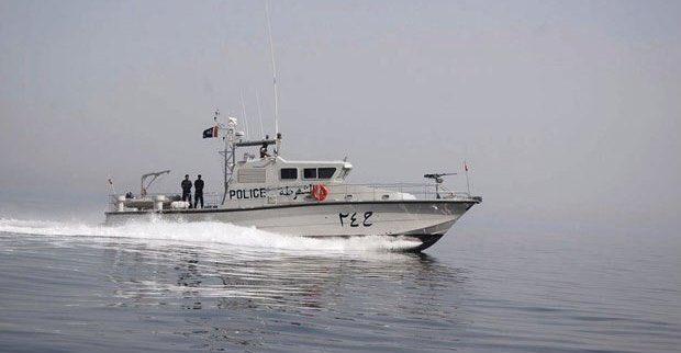 الشرطة تضبط قارب به 15 مخالفًا