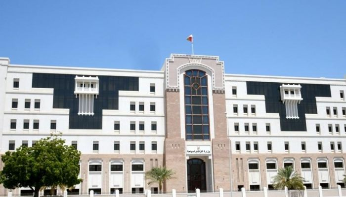 بسبب عدم الإلتزام بتنفيذ التدابير الوقائية.. التراث والسياحة تغلق فندق شيدي مسقط