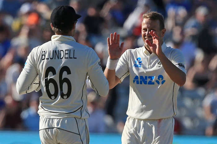 England lose 7 wickets in final session as New Zealand sniff victory on Day Three