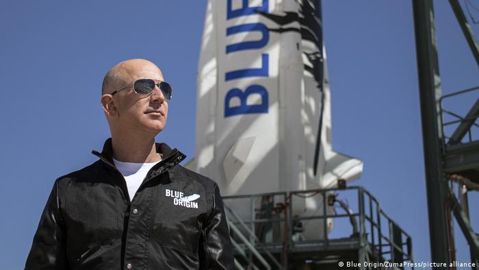 Blue Origin: Bidder pays $28 million to visit space with Jeff Bezos