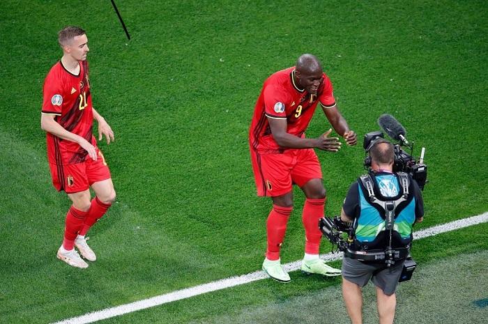 Euro 2020: 'Chris, I love you', says Lukaku after scoring in Belgium's win