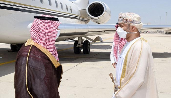 Saudi Minister arrives in Oman