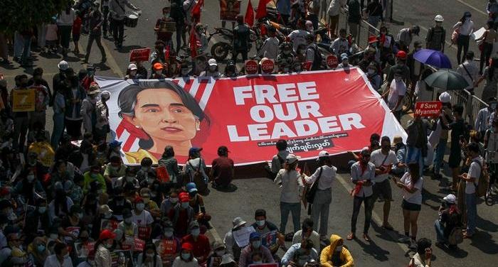 Aung San Suu Kyi trial begins in Myanmar