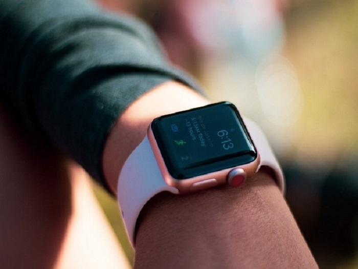 Future Apple Watch models could feature body temperature, blood glucose sensors