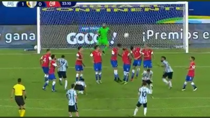 Copa America: Messi free-kick not enough as Chile hold Argentina