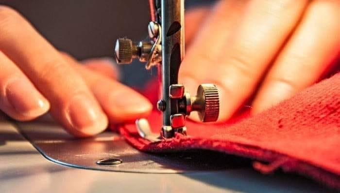 الضوابط والإجراءات الاحترازية لمحلات الخياطة