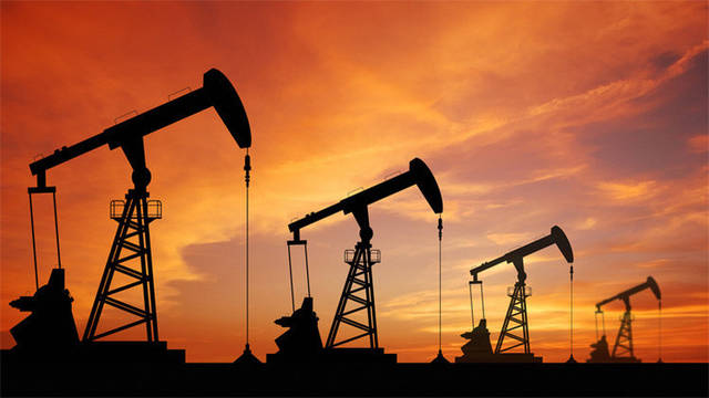 توقعات بنفاذ مخزون السلطنة من النفط والغاز خلال 15 سنة