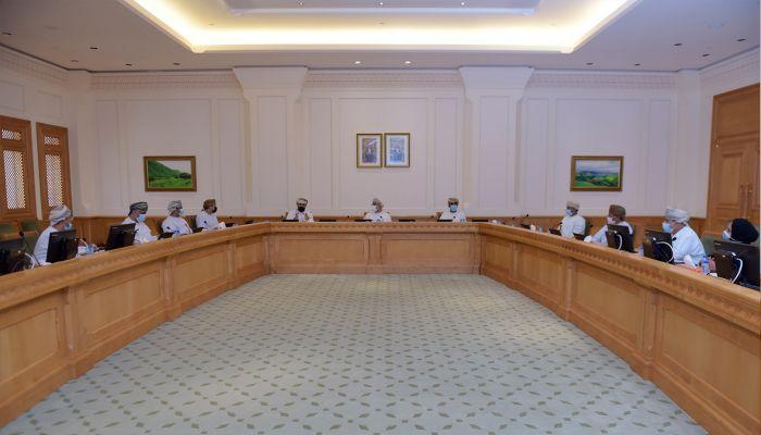 اجتماعية الشورى تناقش تعزيز التماسك الأسري في المجتمع العماني