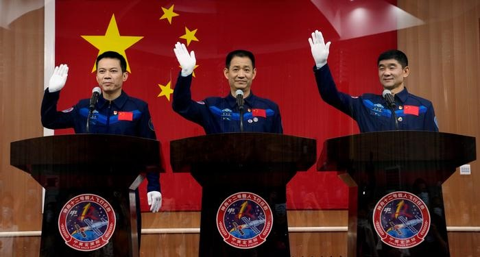 China to send first astronauts to its space station site
