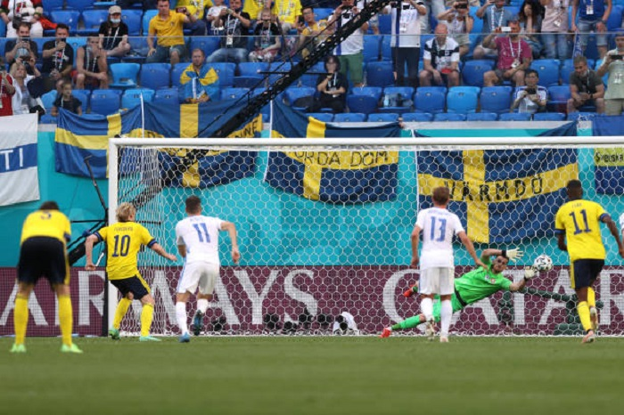 Sweden edge past Slovakia at Euro 2020