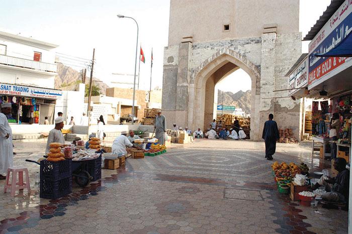 Muttrah Market prohibits entry of children, elderly