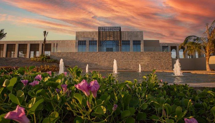 Beachfront resort opens in Oman