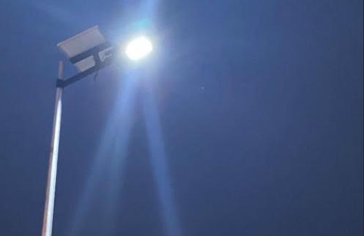تركيب 30 عمود إنارة بالطاقة الشمسية بولاية خصب