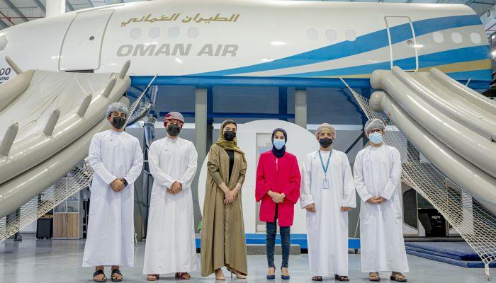 الطيران العماني يدرب 102 عمانيًا للحصول على رخصة طيران النقل الجوي