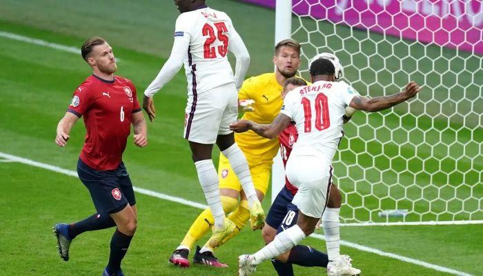 إنجلترا تتصدر مجموعتها في يورو 2020 باداء غير مقنع