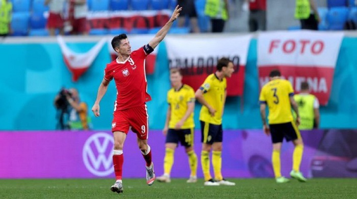 Sweden upset Poland 3-2 to advance into last 16 in Euro 2020