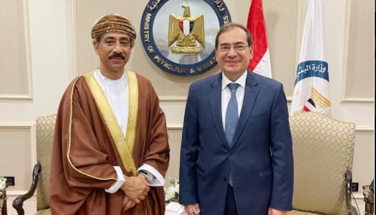 سفير السلطنة لدى القاهرة يبحث دعم سبل التعاون بين السلطنة ومصر في مجال الطاقة والنفط