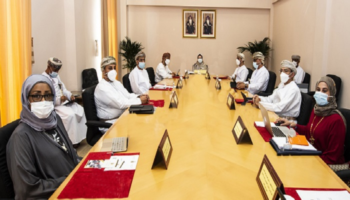 University approves draft regulation for employment of Omanis