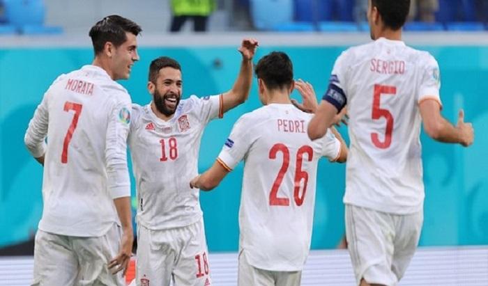 Spain beat 10-man Switzerland on penalties to reach Euro 2020 semis