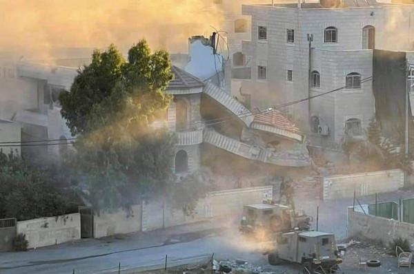 الاحتلال الإسرائيلي يفجر منزل الأسير منتصر شلبي شمال رام الله