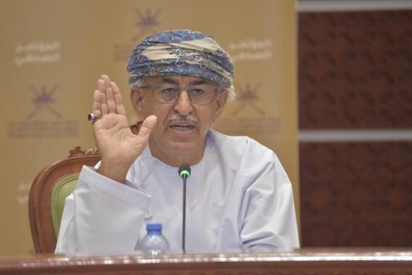 وزير الصحة يوضح إجراءات دخول مسندم وظفار