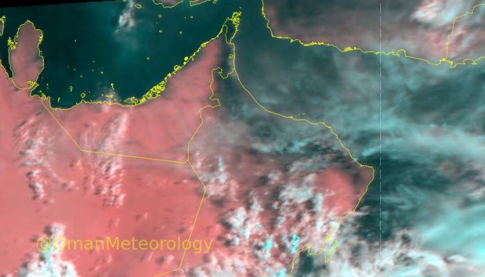 الأرصاد:  استمرار تدفق السحب من بحر العرب