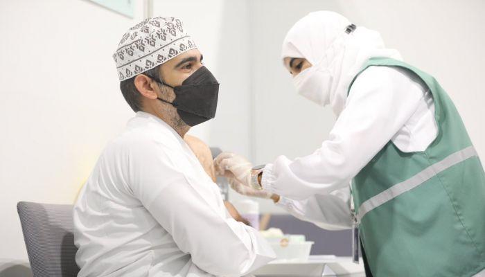 توقعات بتطعيم حوالي مليوني فرد في السلطنة بعد إجازة العيد